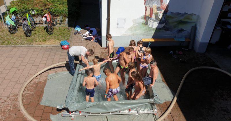 Pool nach Art der Feuerwehr